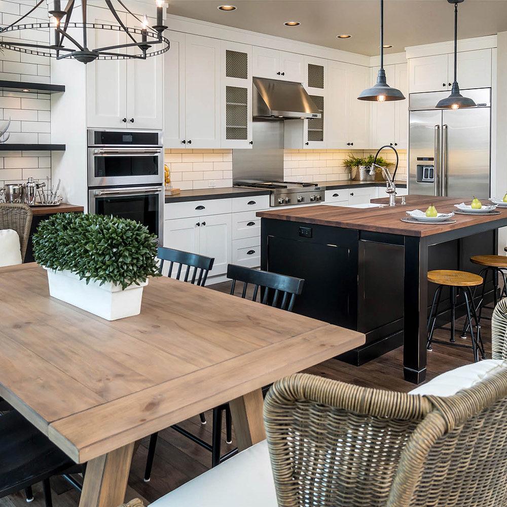Farm House Bend Kitchen Interior Designers