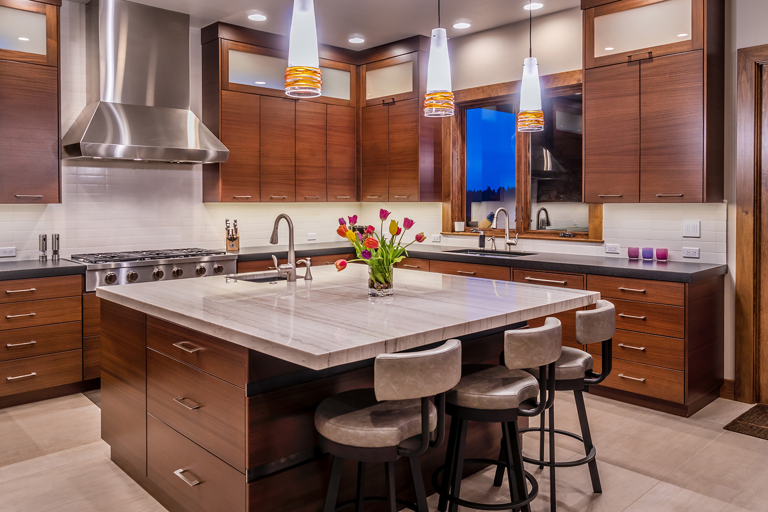 NW Modern Interior Kitchen Design
